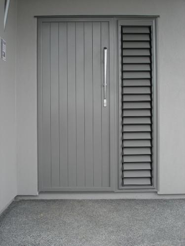 Fabtech PTF Aluminium with Louvre Sidelites & Exterior Doors \u0026 Front Doors - Independent Doors
